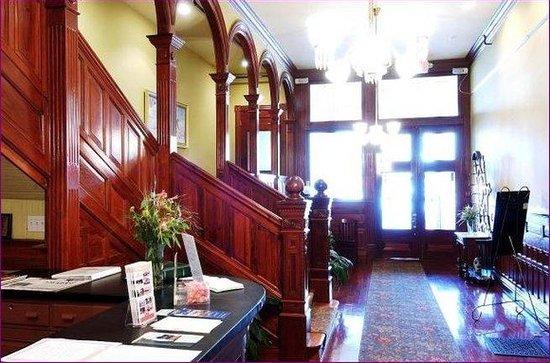 The Fitzpatrick Hotel: Interior