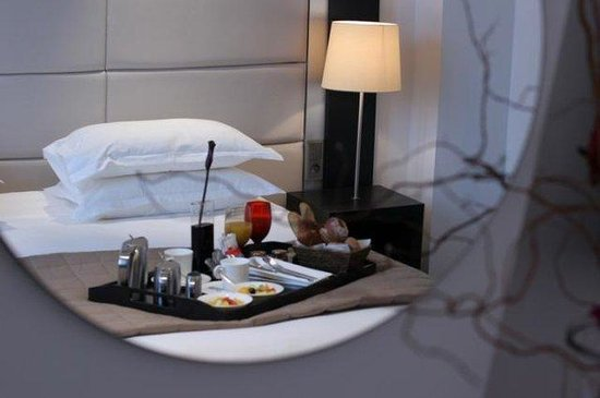 Hotel Montreal Espace Confort: Guest Room