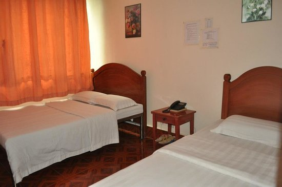 Hotel 45: matrimonial bed and single bed