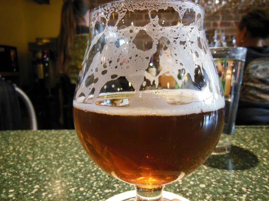 Carver Brewing Co.: Snifter