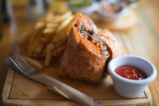 Los Tacos Bar n' Grill: Beef burrito with fries