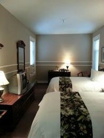 The Kalispell Grand Hotel: Double room