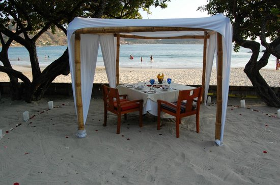 Embarc Zihuatanejo: Set Up for Dinner on the Beach