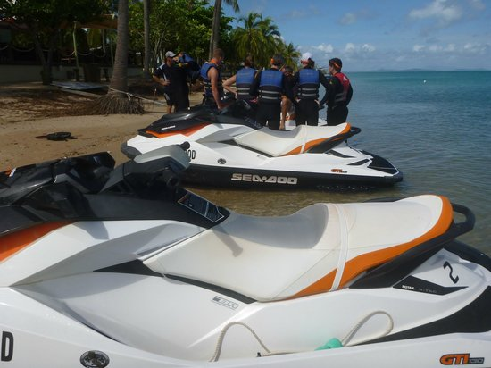 Ecojet Ski Safari Tours: New Skis