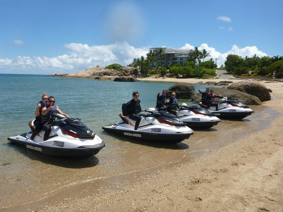 Ecojet Ski Safari Tours: Beautiful Bowen Beach