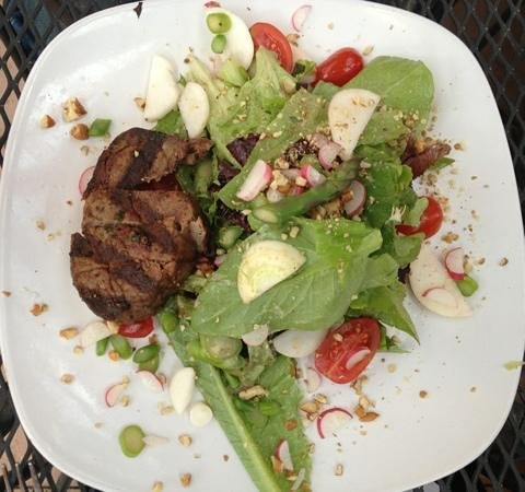 Farm and Table: salad with steak