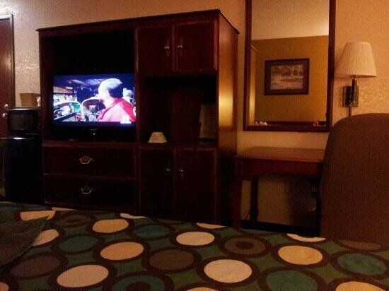 Super 8 Shepherdsville: tidy and dated