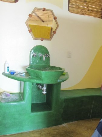 Hotel La Termita: sink in front, lower room