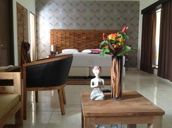 S Resorts Hidden Valley Bali: Добавить подпись
