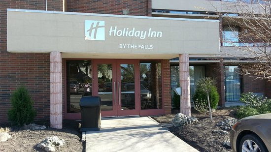 Holiday Inn Niagara Falls - By The Falls: back entrance to hotel (from parking lot)