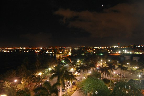 Hilton Barbados Resort: View at night -sorry if it a little fuzzy