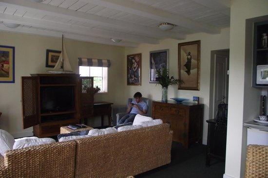 Akaroa Restaurant and Bar: Apartment Living Room