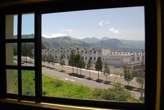 Hotel Gran Quitumbe: Vista del Volcan Pichincha