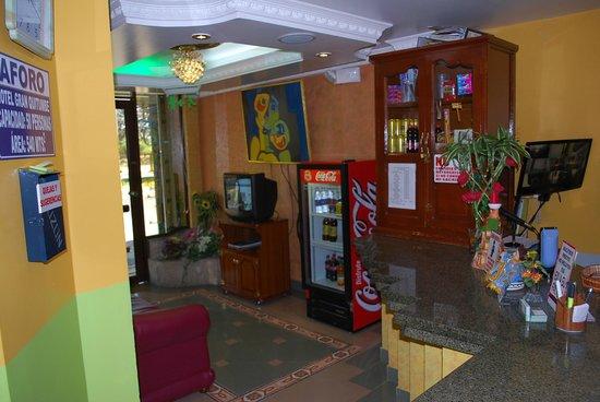 Hotel Gran Quitumbe: Lobby de Recepcion