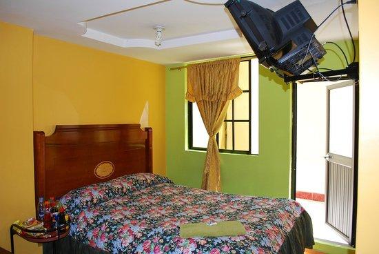 Hotel Gran Quitumbe: Habitacion con Patio
