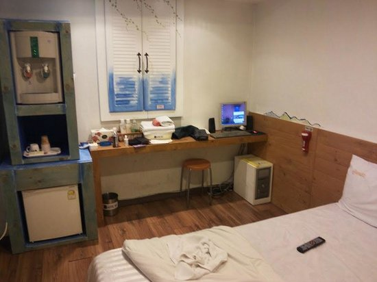 Hotel Biz Jongno Insadong: 室内