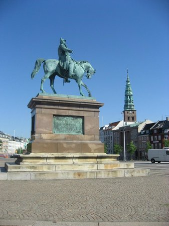 Christiansborg Palace: In front of Parliament building