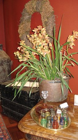 Rouge on Rose: Orchids at Reception