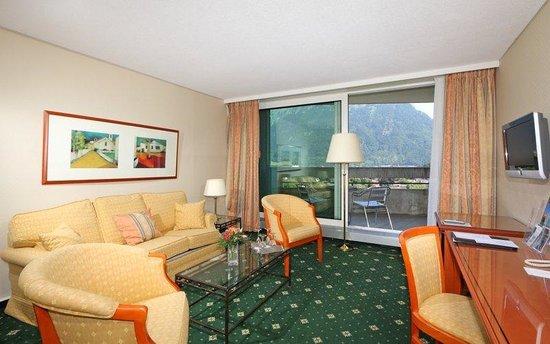 Metropole Hotel Interlaken: Suite with mountain view