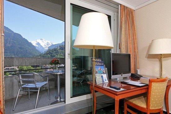 Metropole Hotel Interlaken: Executive twin room with mountain view
