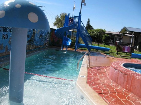 BIG4 Toowoomba Garden City Holiday Park: Heated slide pool