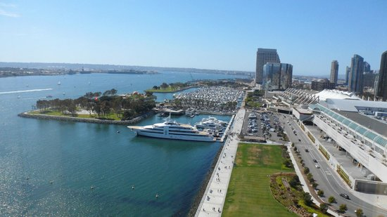 Hilton San Diego Bayfront: View of the Marina from our room