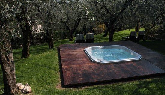Hotel Degli Olivi: Relax tra gli ulivi