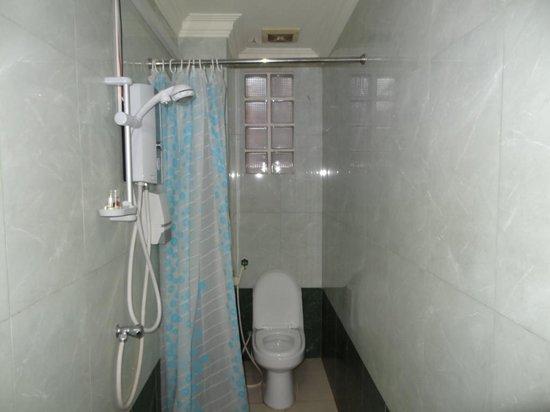 Viva Restaurant & Guesthouse: Ванная комната