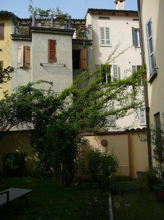 Rubra Bed & Breakfast & Apartments : vue depuis le jardin