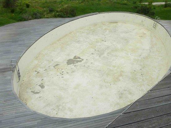 Argentario Golf Resort & Spa: piscine le 1 mai a restaurer complètement et ne semble pas être prévu