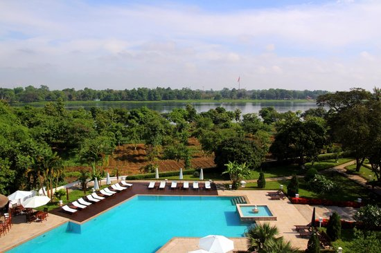 La Residence Hue Hotel & Spa - MGallery by Sofitel: vue sur le fleuve