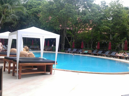 Vogue Resort & Spa Ao Nang: swimming pool