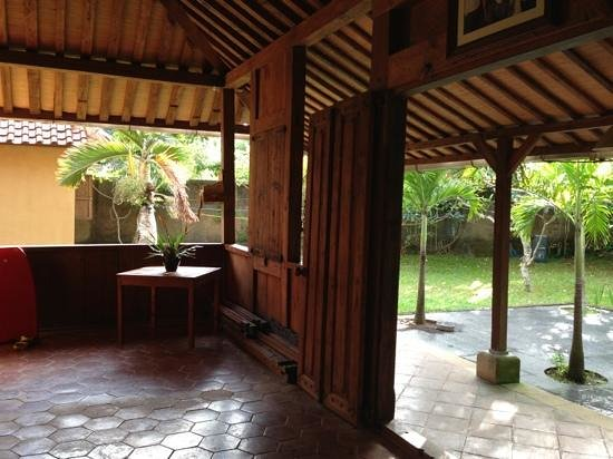 Exclusive Bali Bungalows: from the dining area