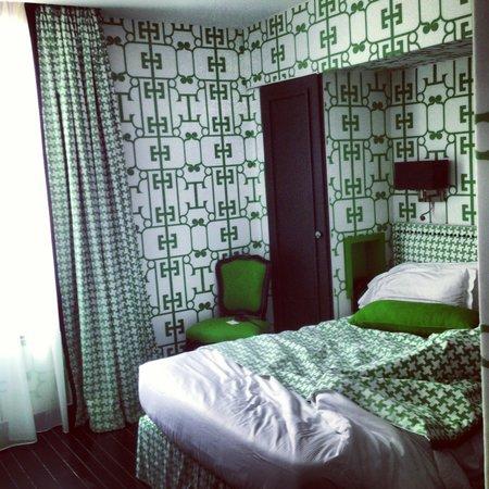 Hotel Monceau Elysees: Green rom