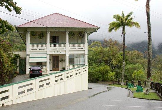 Entrance and verandas at Pax guest House