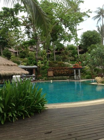 Nora Beach Resort and Spa: The lovely pool area