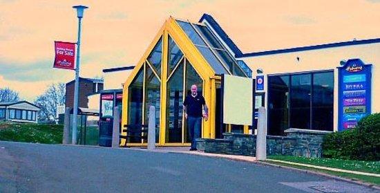 Hoburne Devon Bay: Hoburne reception & clubhouse.