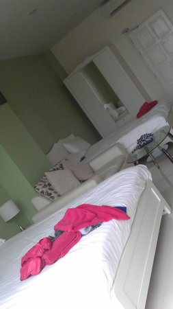 Villareal Heights: family statio room, 3-4 persons