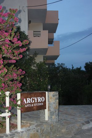 Argyro Apartments: balconies