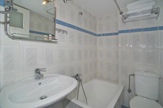 Hotel Anemoni : Bathroom