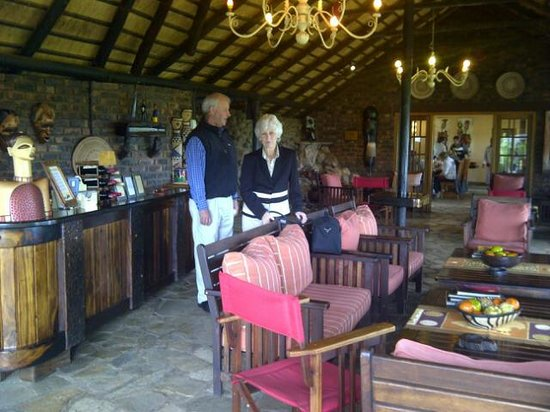 Mohlabetsi Safari Lodge: Reception lounge