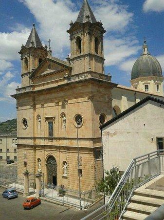 Acri, Italie : basilica Beato Angelo