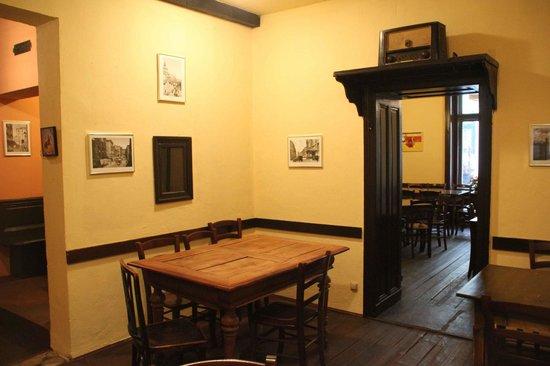 Puerta del sol wien omd men om restauranger tripadvisor for Av puerta del sol