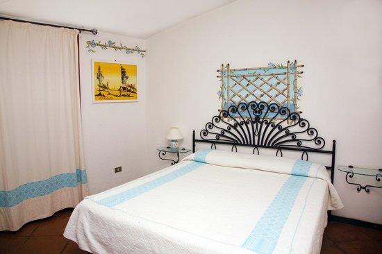 Rena Bianca Hotel&Residence: Vista interna camera
