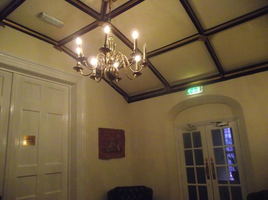 The Priory Hotel & Restaurant: ceiling on the landing