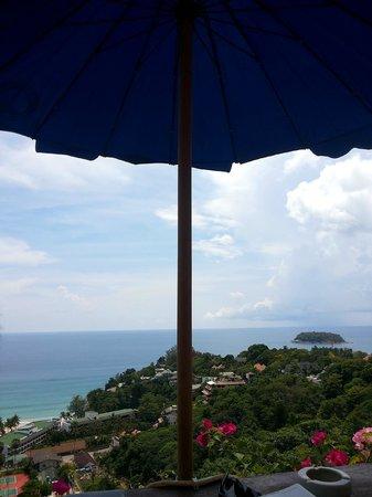 Baan Chom View: Under the hot sun