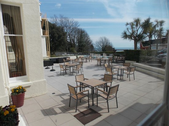 The Headland Hotel : outside dining
