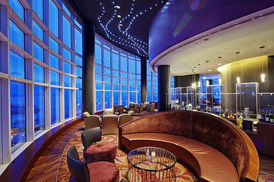 360 Bar, Hilton Baku