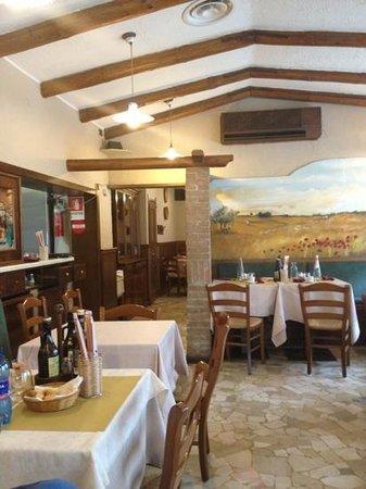 Al Progresso Ristorante & Pizzeria: La saletta...