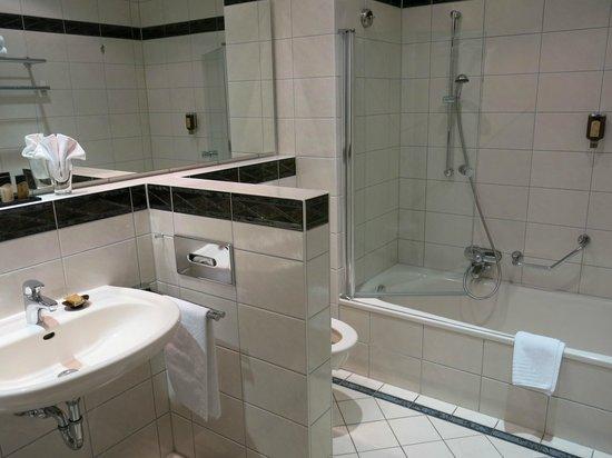 Ihringen, Γερμανία: Blick ins Badezimmer